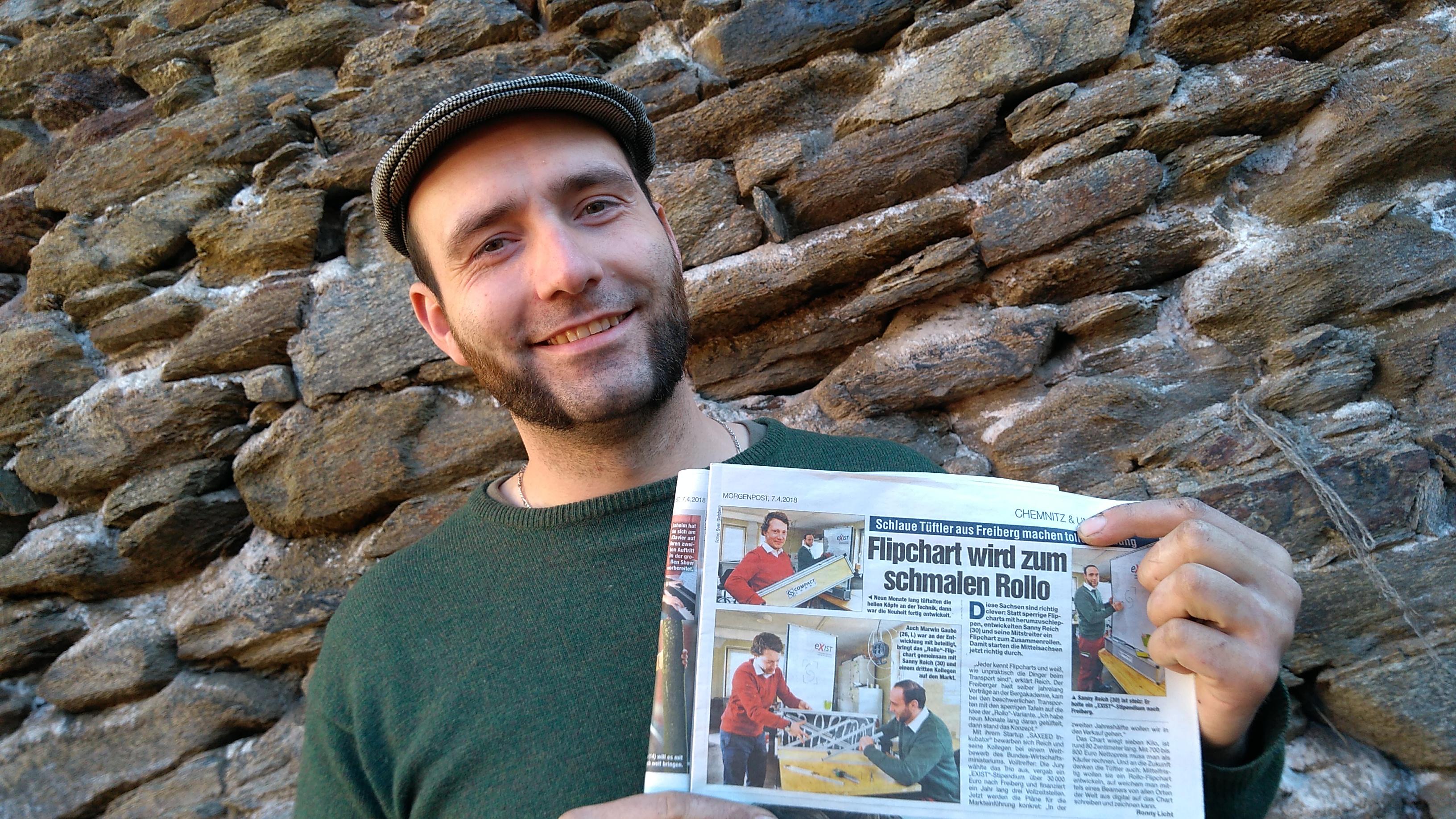 Sanny Reich mit unserem ersten Zeitungsartikel